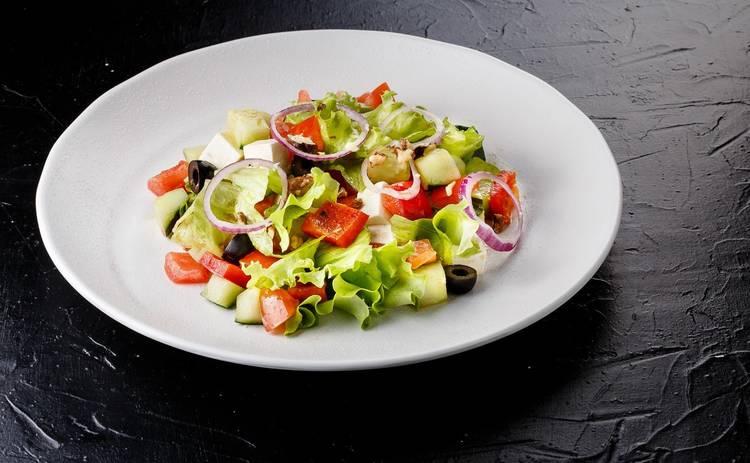 Греческий салат с Фетаксой (рецепт)