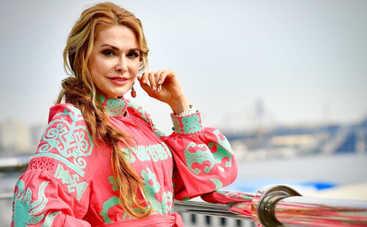 Ольга Сумская произвела фурор на выпускном младшей дочери