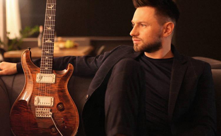 Украинский музыкант, сотрудничавший с Ириной Билык, выпустил инструментальную песню