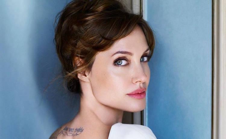 Дочь Анджелины Джоли и Брэда Питта готовится к смене пола – СМИ