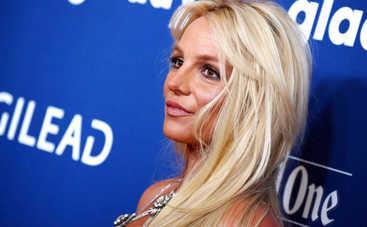 Плюс 10 килограммов? Бритни Спирс нарвалась на критику из-за располневшей фигуры