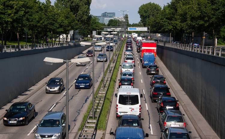 Киев потопает в пробках: 13-е место в мировом рейтинге плотного трафика