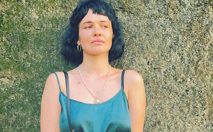 Даша Астафьева во время эротической фотосессии устроила «дикие» танцы