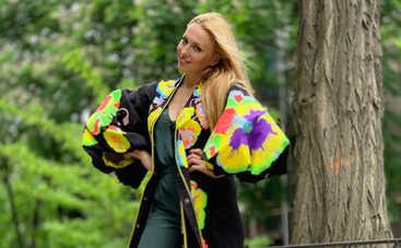 Оля Полякова презентовала хит этого лета