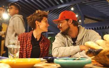 Ведущие Алена Мороз и Илья Луценко рассказали о первом поцелуе и самом романтическом свидании