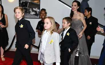 Быть ребенком Анджелины Джоли, Синтии Никсон, Шер - счастье или настоящий треш?