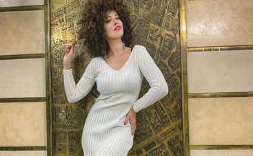 Даша Астафьева показала сочные изгибы в пикантном латексном наряде