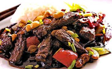 Сытно и полезно! Томленая говядина в соевом соусе (рецепт)