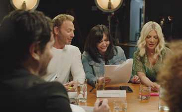 Изменились до неузнаваемости?  Как выглядят актеры сериала «Беверли-Хиллз 90210» через 30 лет