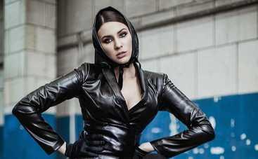 «Эй, Вася, верни»: MARUV рассказала, куда пропадают ее аксессуары на концертах