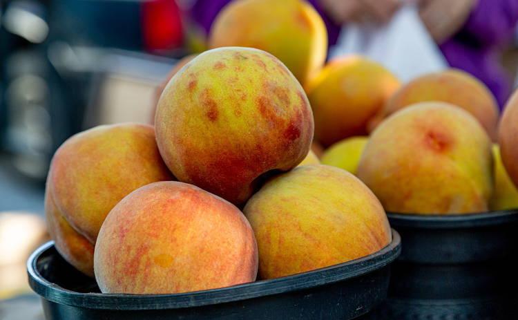 Воздушное лакомство! Творожный десерт с персиками (рецепт)