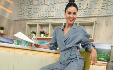 «Сексапильная кошечка»: Известная ведущая в платье-сетке готовится к новому проекту