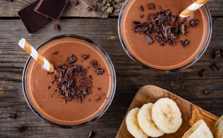 Бананово-шоколадный коктейль для сладкоежек (рецепт)