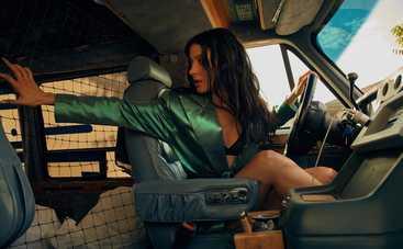 Разбитые окна, кровь и ссадины: Анастасия Кожевникова снялась в триллере