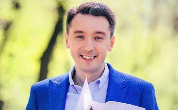 День рождения Михаила Присяжнюка: интересные факты о ведущем ток-шоу «Один за всех»
