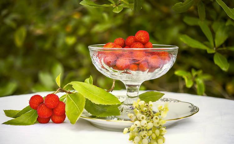 Ароматный компот из вишни и яблок (рецепт)