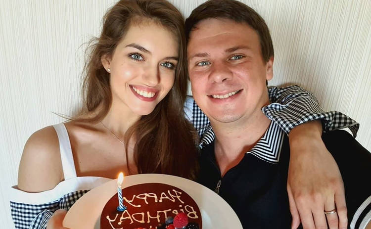 Жена Дмитрия Комарова показала редкое фото с медового месяца на Мальдивах