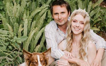 Фронтмен группы «Muse» Мэттью Беллами женился на модели: первые фото со свадьбы