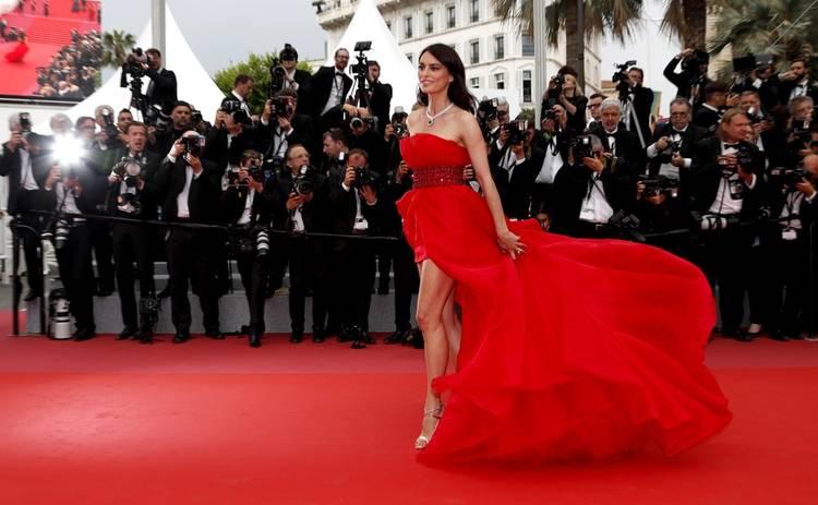 Наилучшие красные платья знаменитых красавиц Голливуда