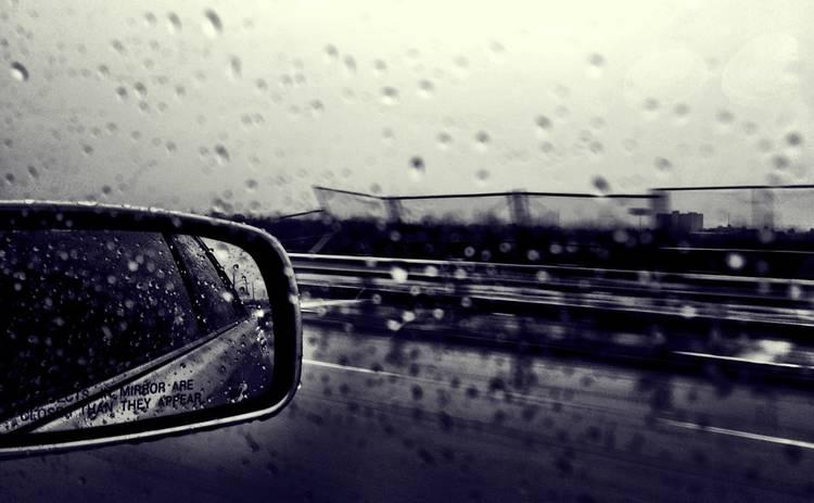 Ошибки, которые не стоит допускать во время езды в дождь