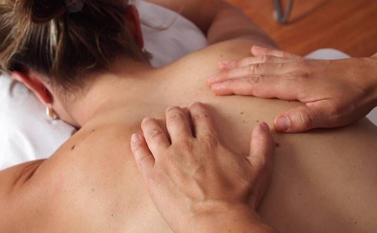 Как делать эротический массаж своей второй половинке