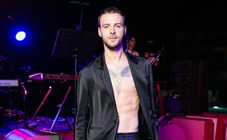 Макс Барских отметил День рождения с голыми друзьями