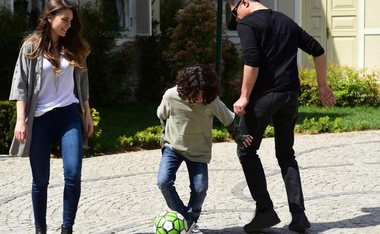 Невеста из Стамбула: смотреть 90 серию онлайн (эфир от 23.08.2019)
