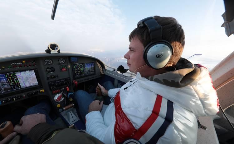 Мир наизнанку. Рекордный полет: смотреть выпуск онлайн (эфир от 24.08.2019)