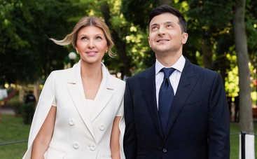 Первая леди в красном: Владимир Зеленский восхищен образом своей жены