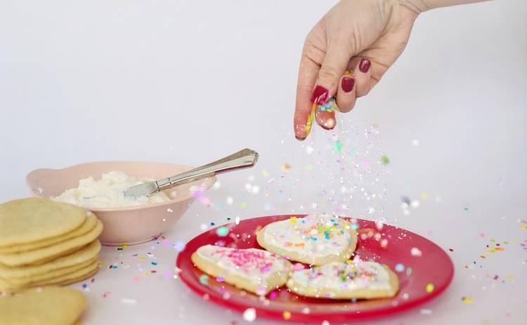 Десерт из печенья со сливками за 20 минут (рецепт)