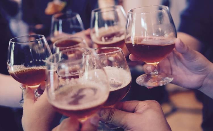 Названы самые опасные для человека алкогольные напитки