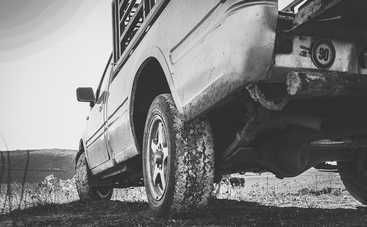 Как нужно ездить по грунтовой дороге: основные правила