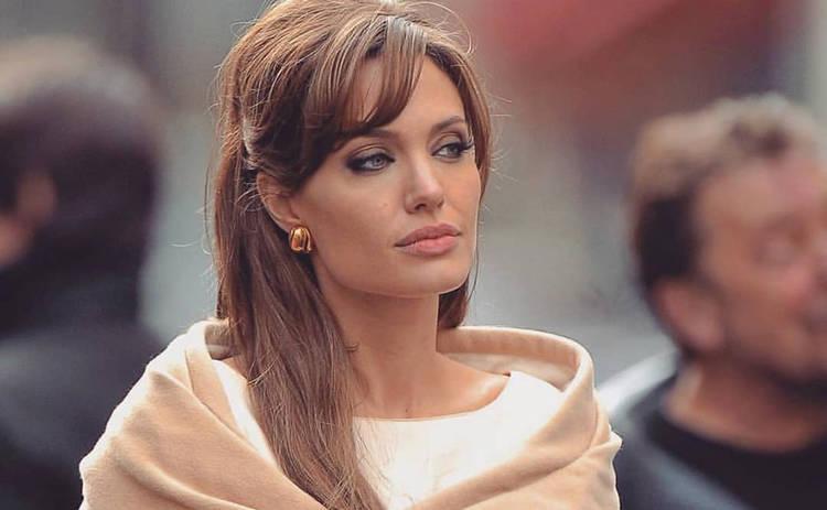 Создатели «Малефисенты» показали, как превращали Анджелину Джоли в злую колдунью