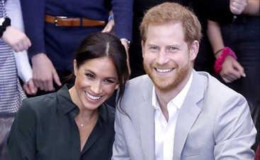 Не рано ли? Принц Гарри и Меган Маркл отдохнули в пабе вместе с 4-месячным сыном