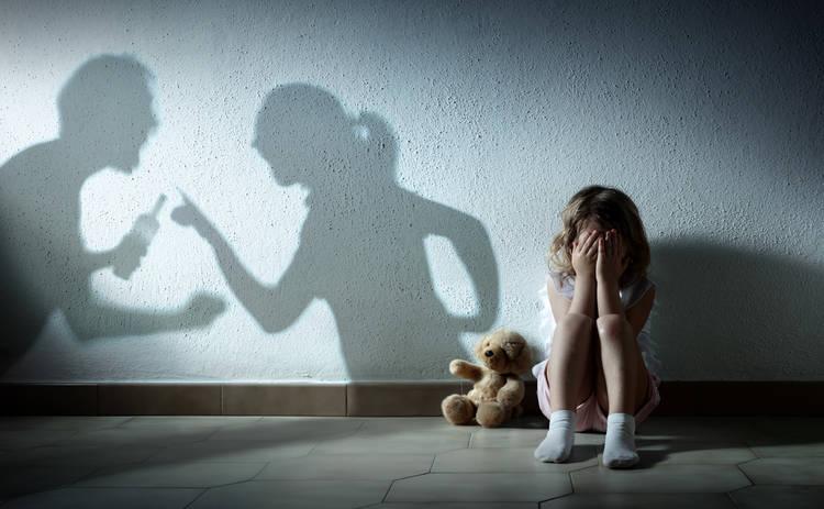 Богатые и знаменитые: звезды, пережившие в детстве насилие