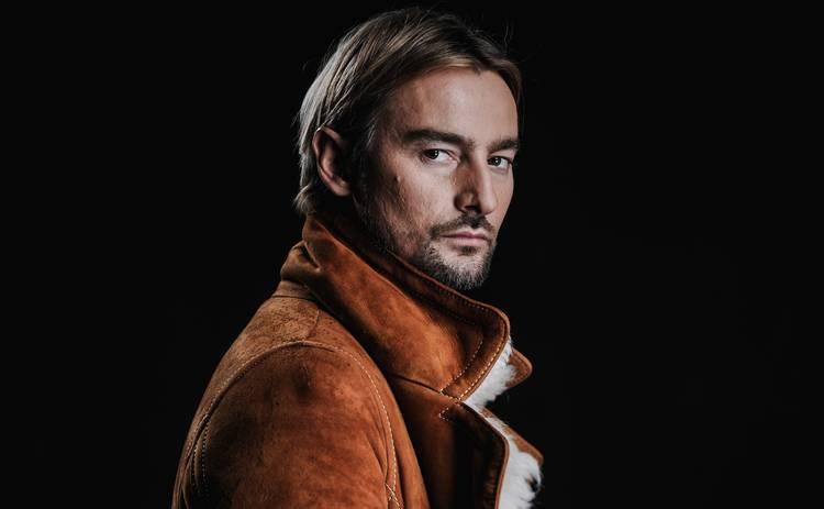 Алан Бадоев в третий раз стал режиссером шоу в Париже на Неделе моды: спектакль тактильного шепота