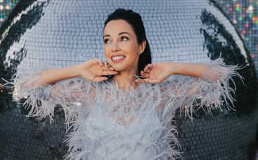 Скучает за MARUV? Катерина Кухар примерила костюм из латекса в эфира шоу «Танці з зірками»