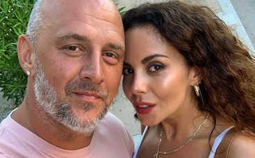 Потап признался, как относится к откровенным фото своей молодой жены в Сети