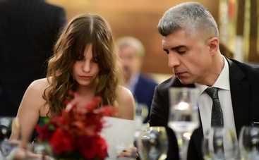 Невеста из Стамбула: смотреть 158 серию онлайн (эфир от 11.10.2019)