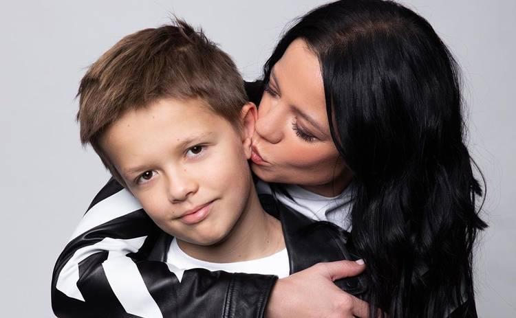 Сын Потапа в компании звезды станет ведущим 8 эфира «Танці з зірками-2019»