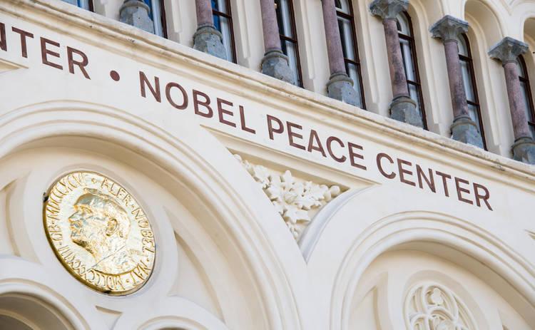 Экзопланеты, борьба с нищетой и аккумуляторы: за что дали Нобелевские премии 2019