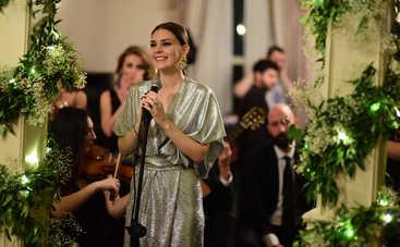 Невеста из Стамбула: смотреть 166 серию онлайн (эфир от 18.10.2019)