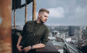«Я не знаю, когда между нами упадет эта Берлинская стена»: Фиолет презентовали клип на песню из будущего альбома