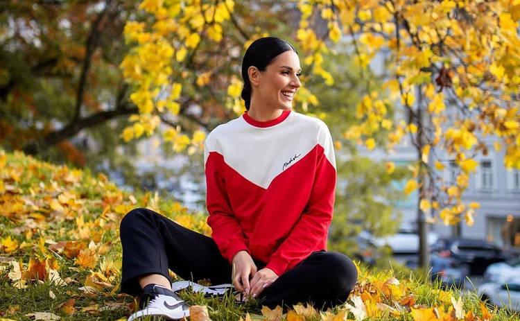 Маша Ефросинина восхитила стильным деловым луком: элегантно и соблазнительно
