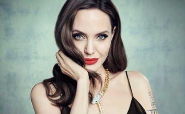 «Хочу прожить немного дольше»: Анджелина Джоли откровенно рассказала о раке груди
