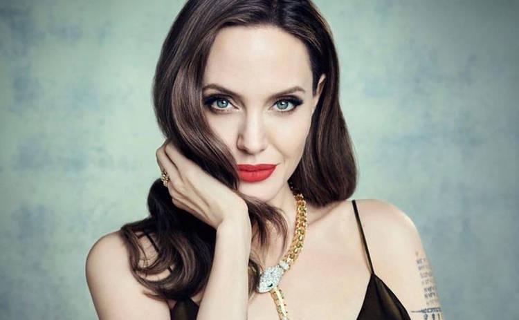 Анджелина Джоли откровенно рассказала о раке груди: «Хочу прожить немного дольше»