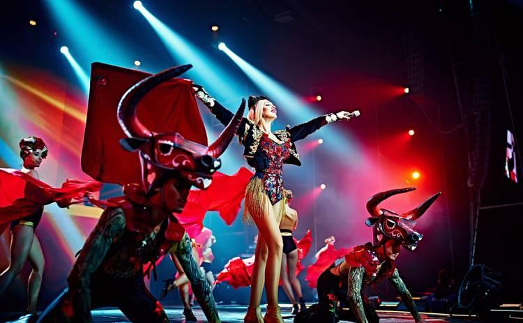 В Киеве отгремел концерт Оли Поляковой: откровенные костюмы, спецэффекты и поклонники из заграницы