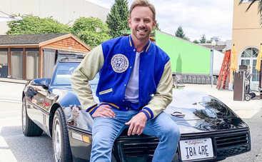 Звезда «Беверли-Хиллз, 90210» подал на развод после 9 лет брака
