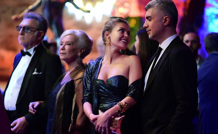 Невеста из Стамбула: смотреть 195 серию онлайн (эфир от 08.11.2019)