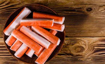 Нежный салат с крабовыми палочками и яблоками (рецепт)